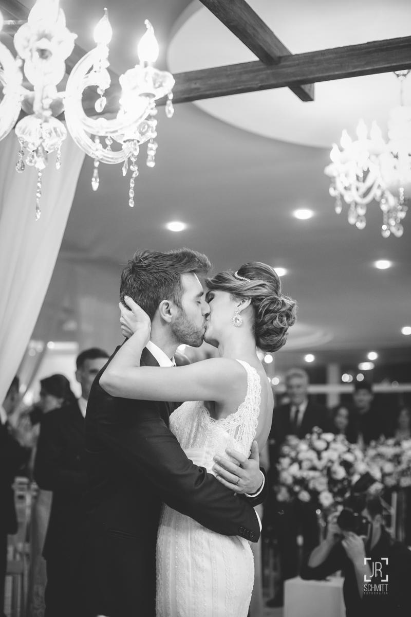 beijo no casamento