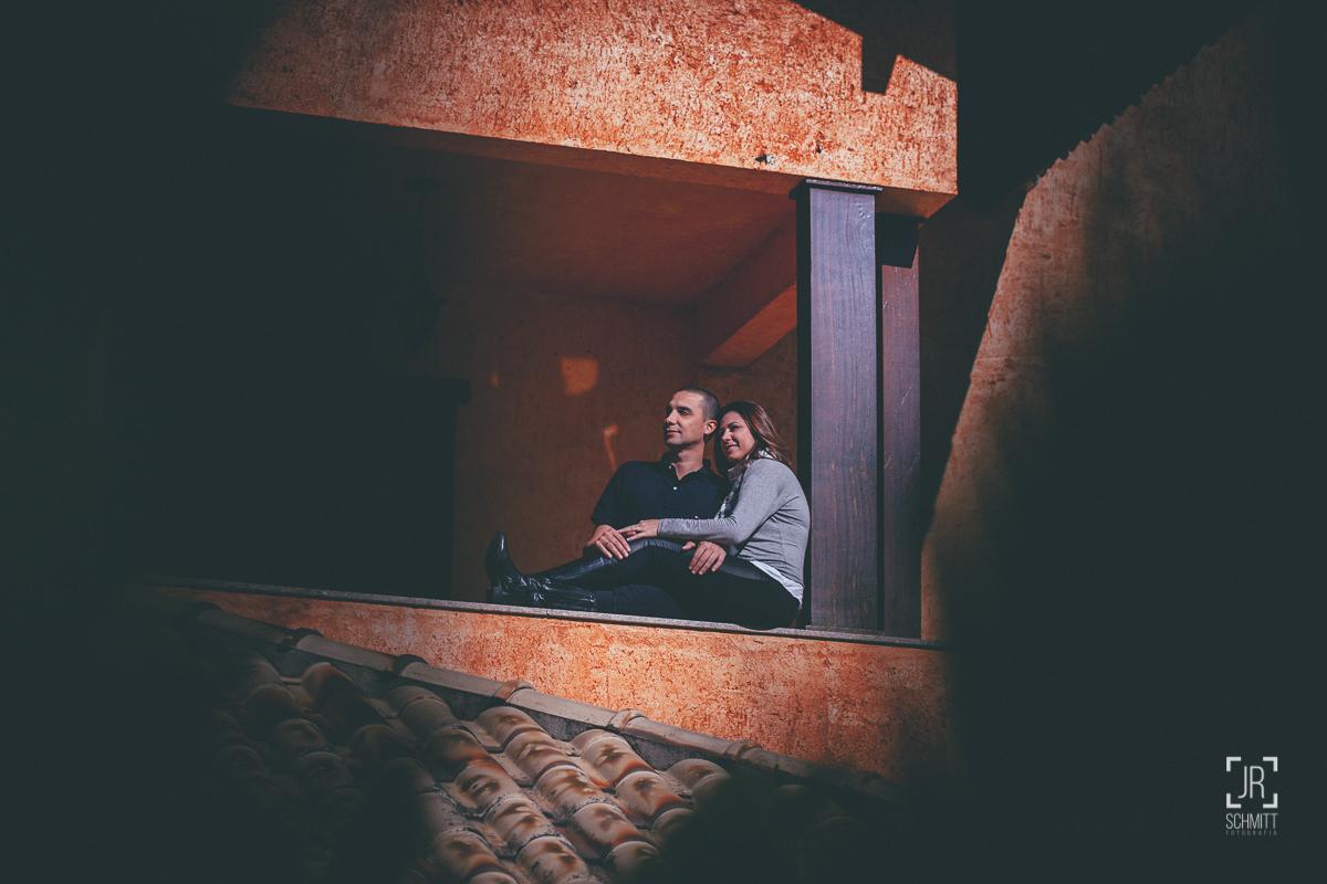 casal na sacada