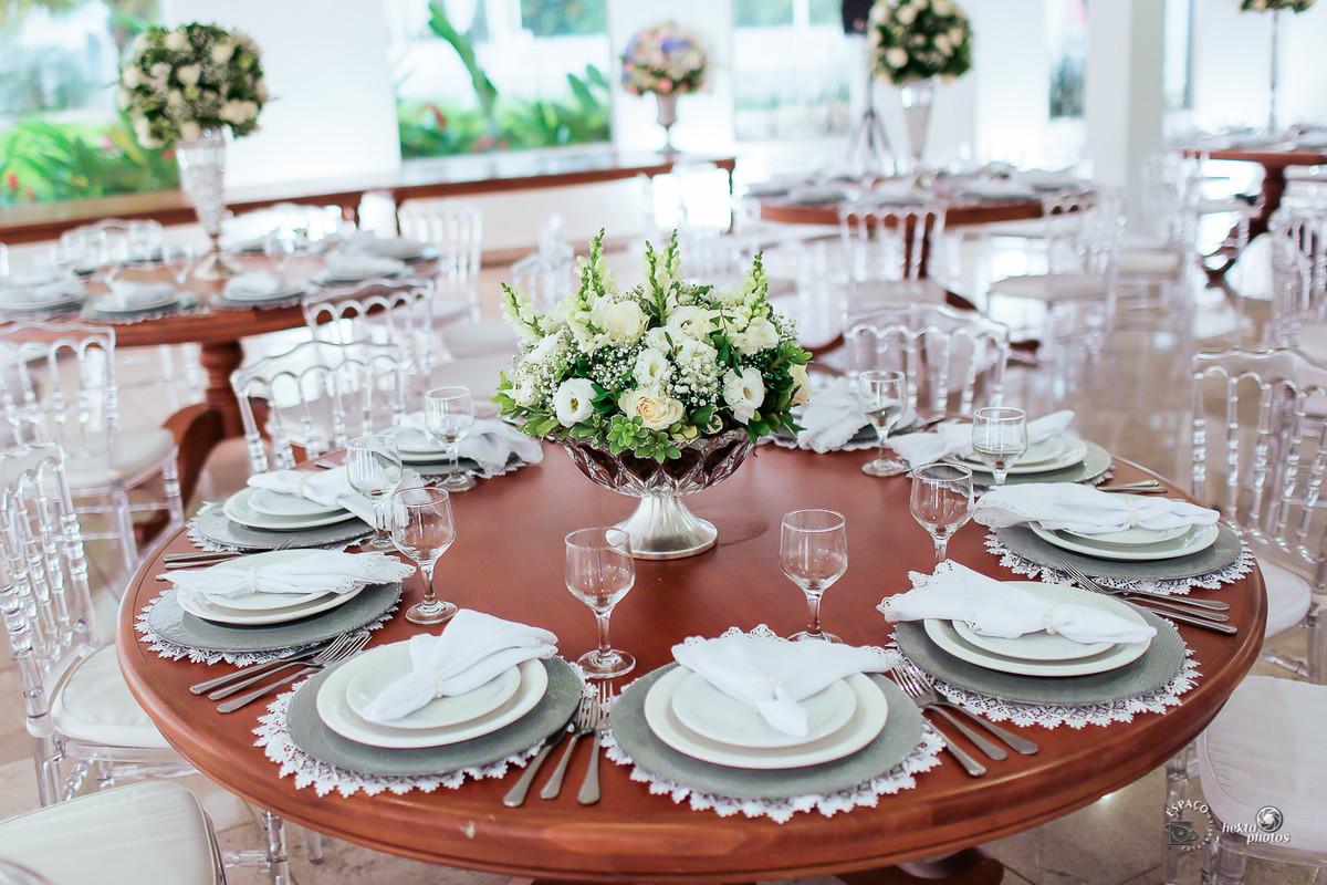 Decoração assinada por Celebra Festas e Flores -  fotografia de casamento goiania