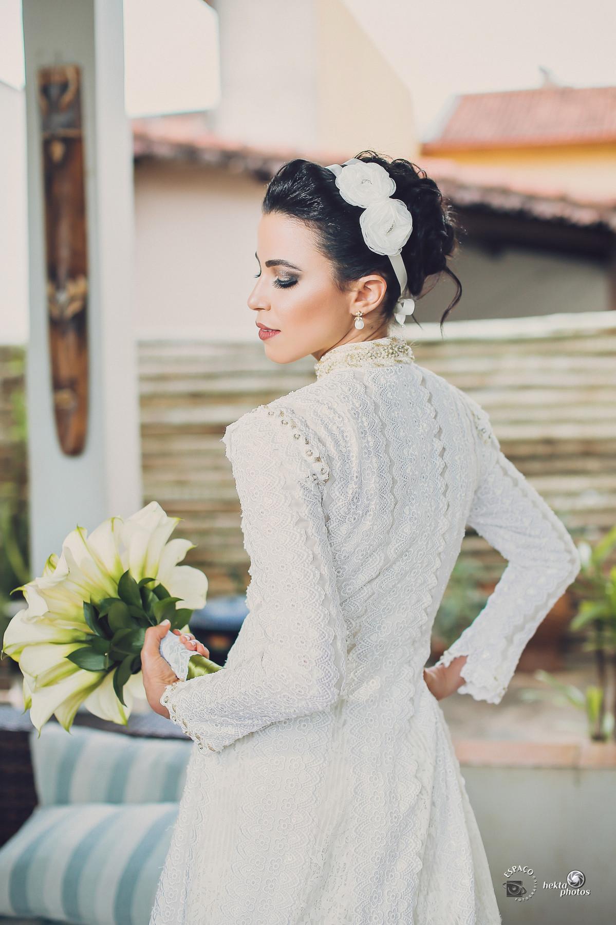 Dá para acreditar que o vestido da noiva Alberta foi usado pela mãe há 40 anos? FANTÁSTICO.