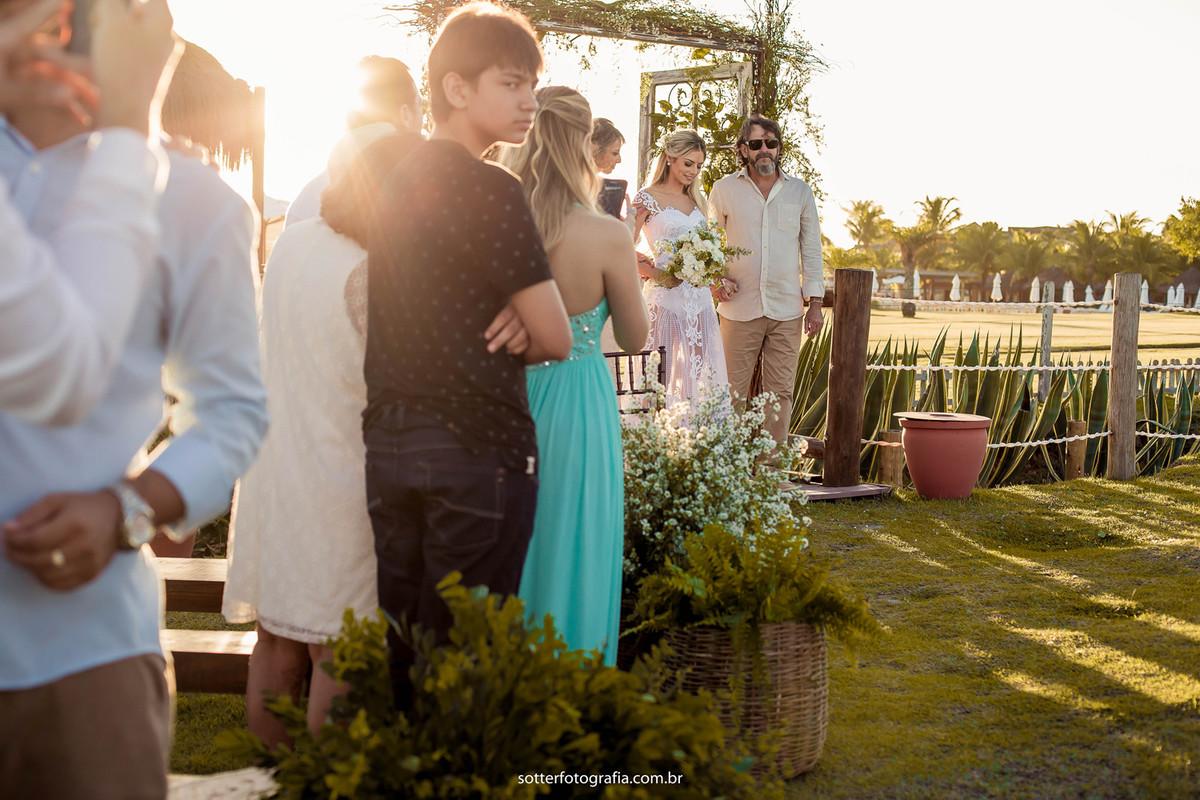 noiva entrando casamento em trancoso sotter fotografia fotografo de casamento
