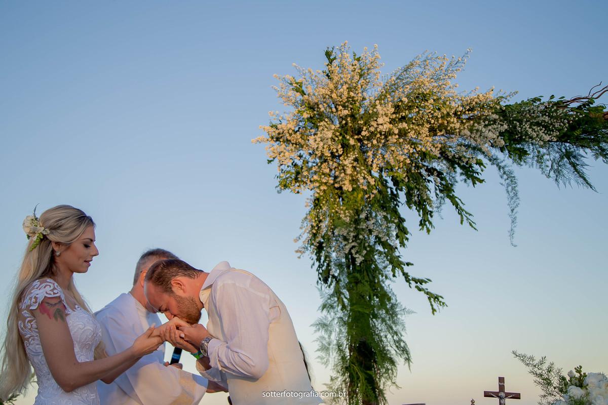 beijo na mao casamento trancoso sotter fotografia