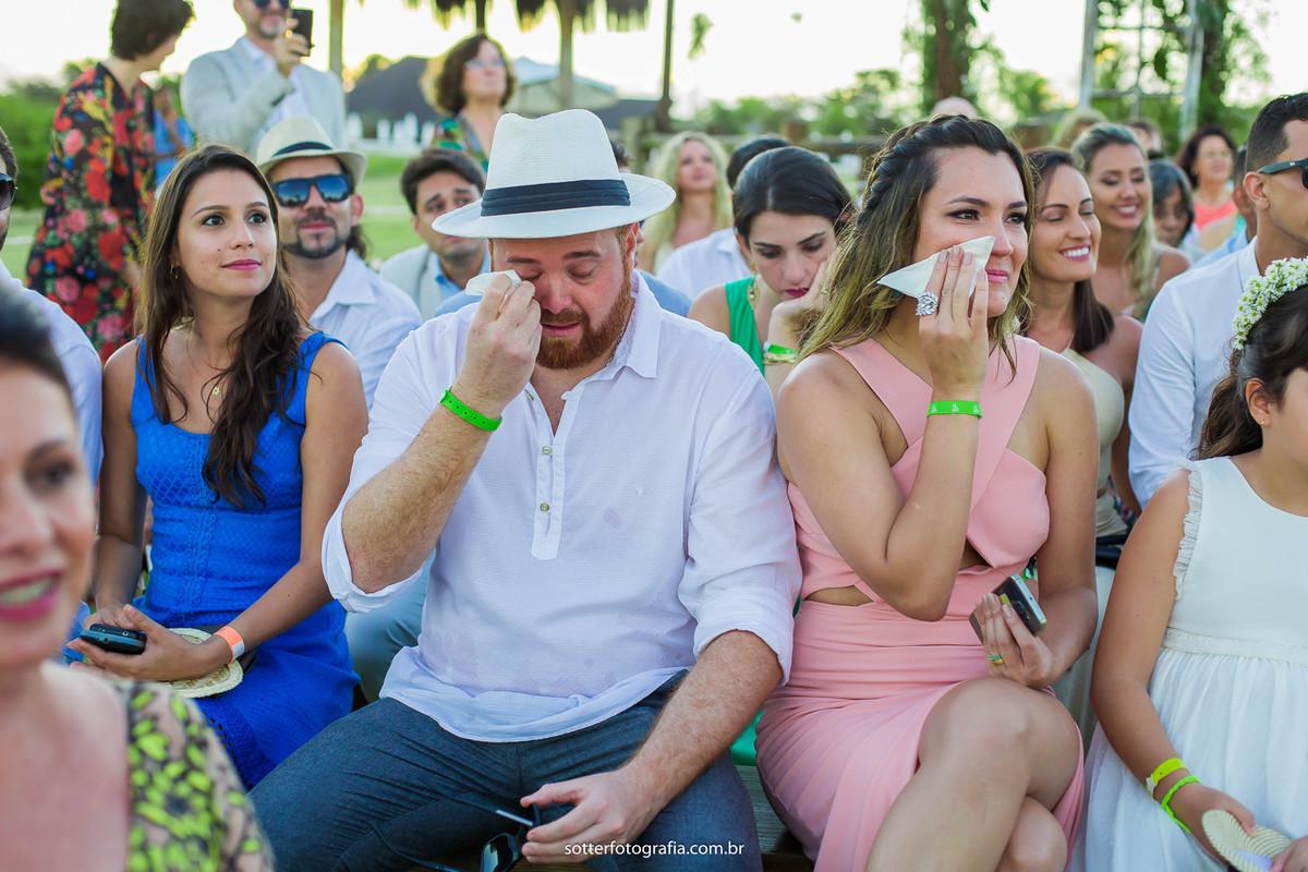 convidados chorando sotter fotografia casamento em trancoso