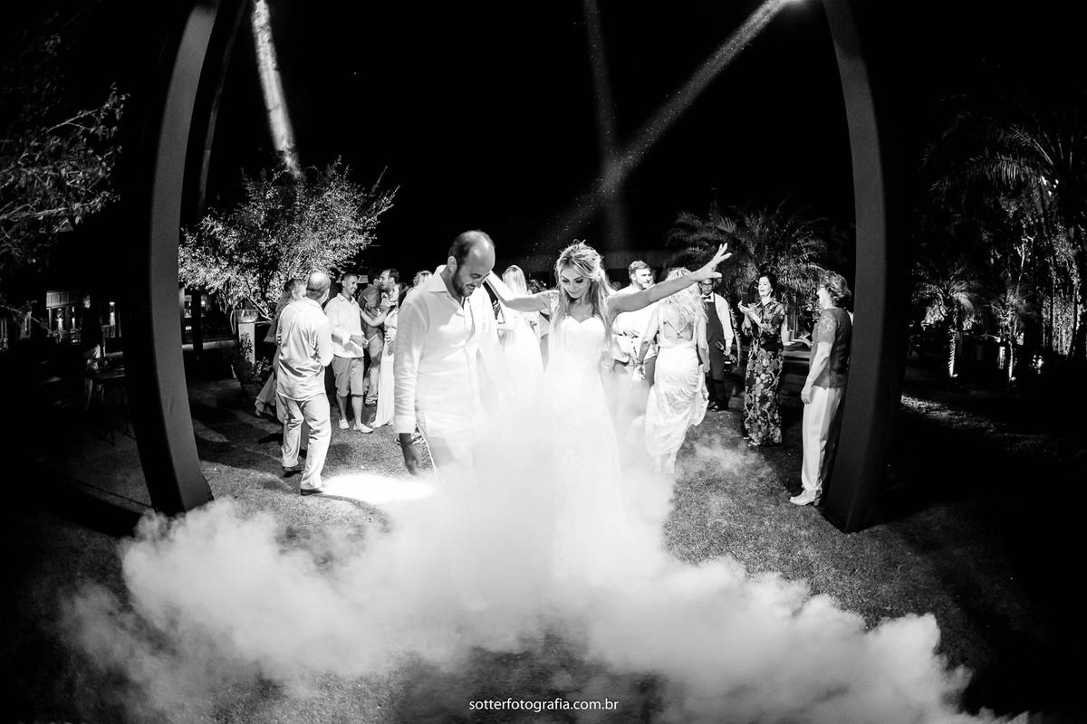 fumaça na pista noiva sotter casamento em trancoso fotografo de casamento e trancoso