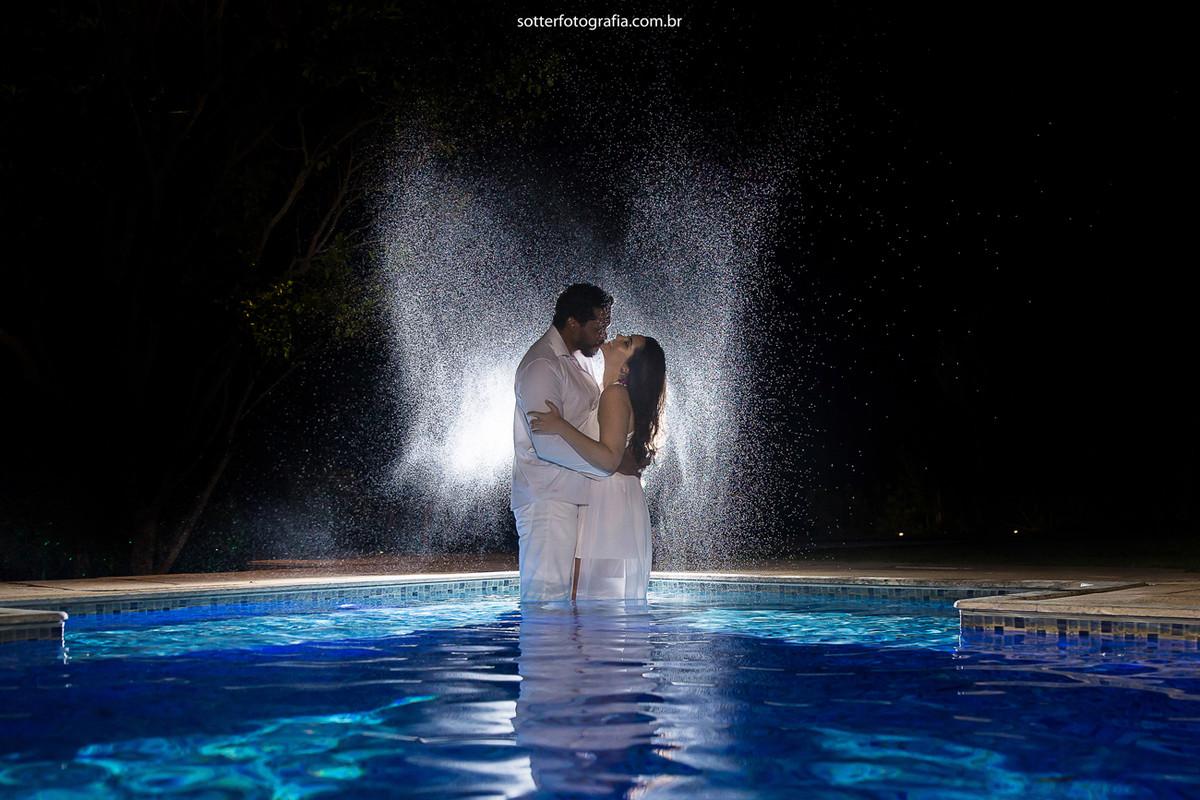 piscina com noivos casamento sotter fotografia