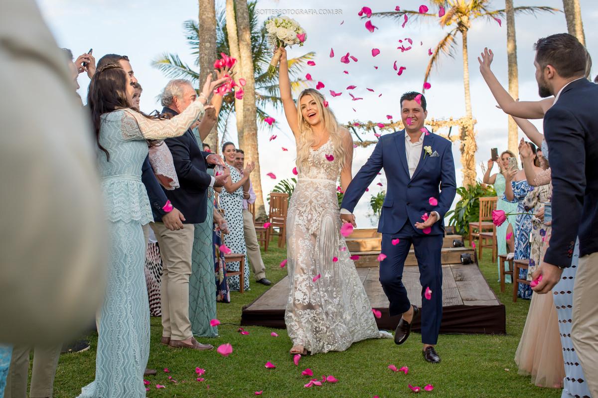 saida dos noivos, casamento em trancoso