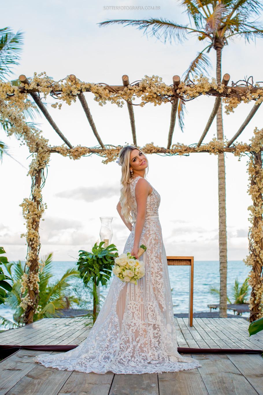 noiva modelo, vestido lindo, buque de noiva, altar em trancoso