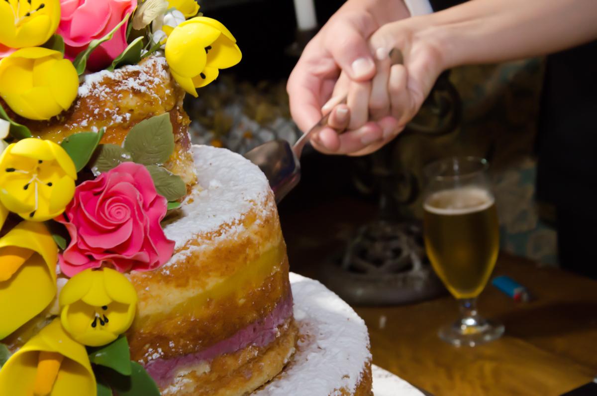 O bolo lindo!!! casamento Carol e Thiago - Fotografia de casamento top em São Paulo SP  Fotografamos o casal em Alphaville, muita alegria com esse casal fantástico!