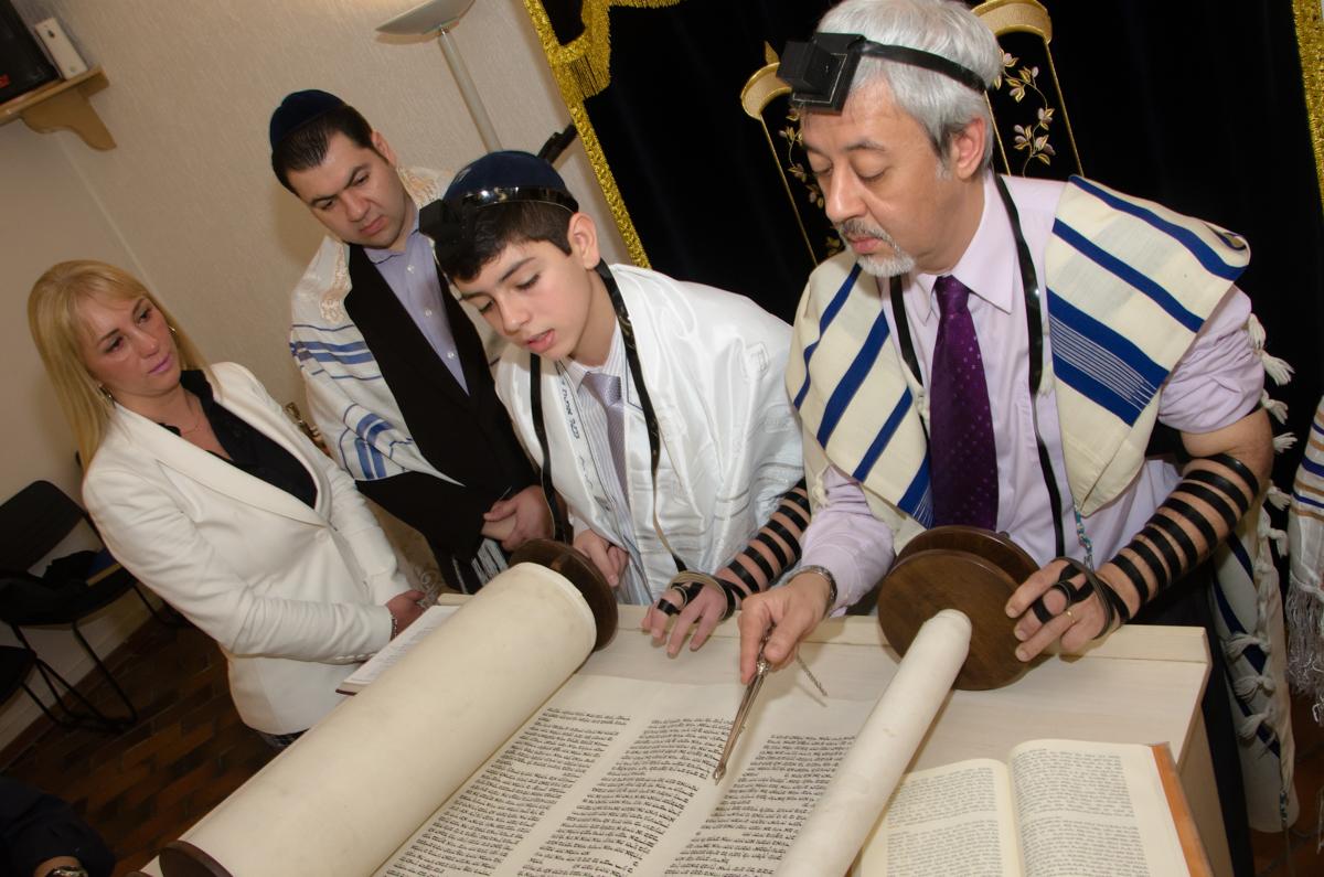 Leitura da Torah Bar MitzVah do Alberto Abravanel - Fotografia de BarMitzvah feitas pela GeniPhoto - Fotografia de Bat MItzvah em São Paulo SP