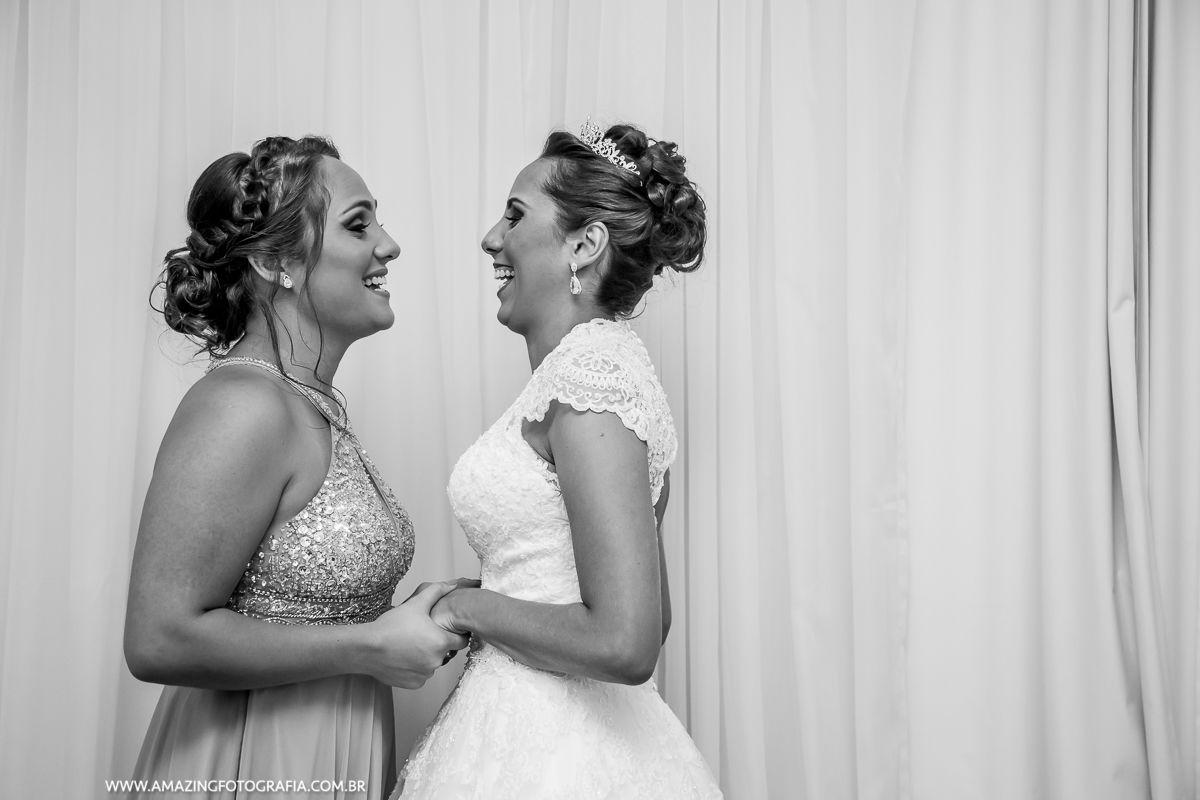Fernanda Damasceno é Fotografa de Casamento e trabalha na Amazing Fotografia
