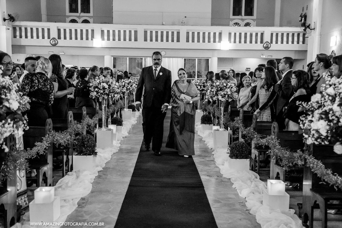 na zona norte de São Paulo o fotografo de casamento Sergio Damasceno fez o registro da entrada dos padrinhos