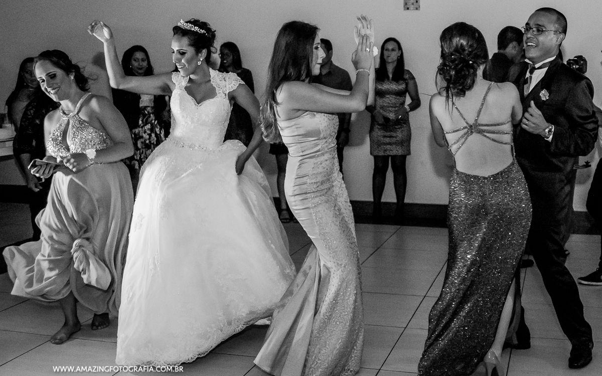 Mansão Mariom foi o casamento registrado pela Amazing Fotografia