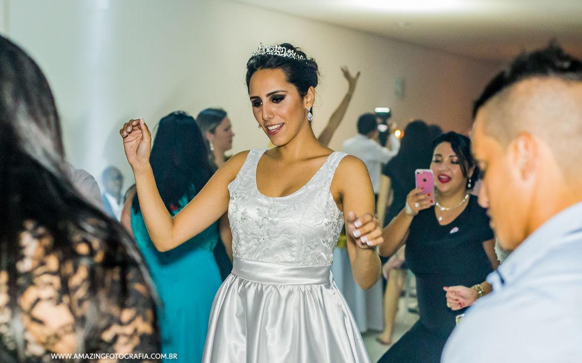 Fotografo de Casamento registrando a Festa de Casamento no Mansão Marion