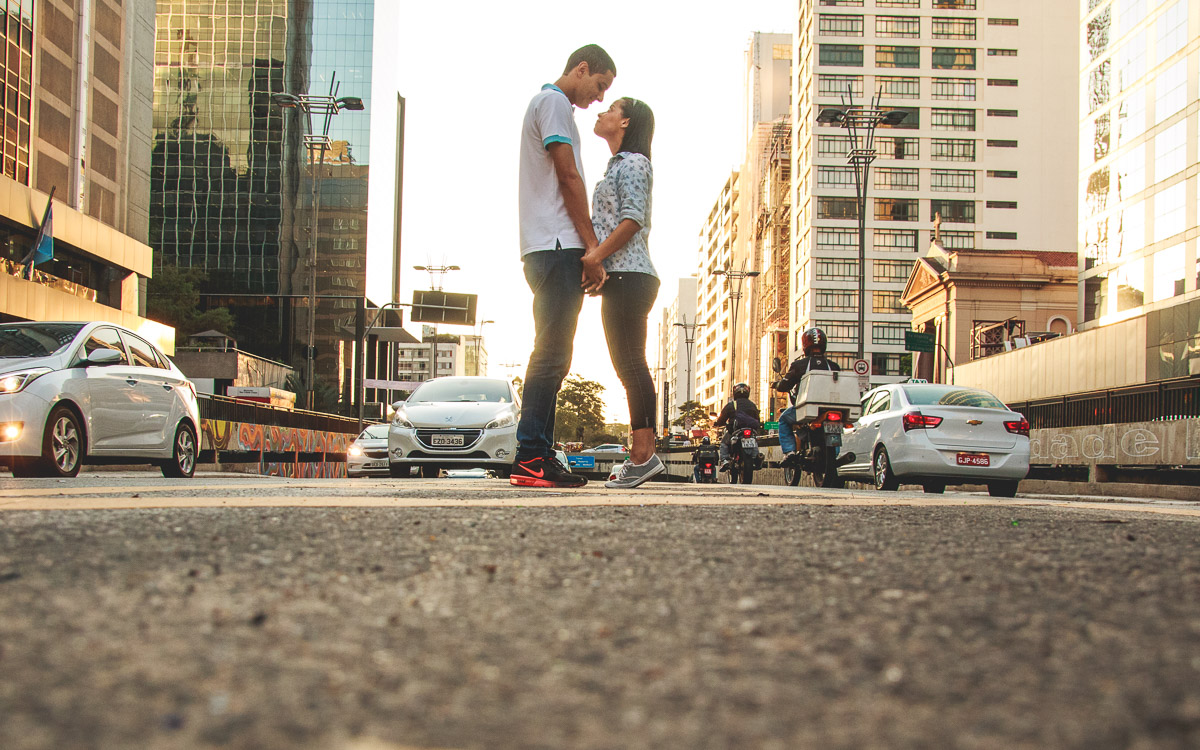 Avenida Paulista foi o local do Book de Casamento da Camila e Darlin