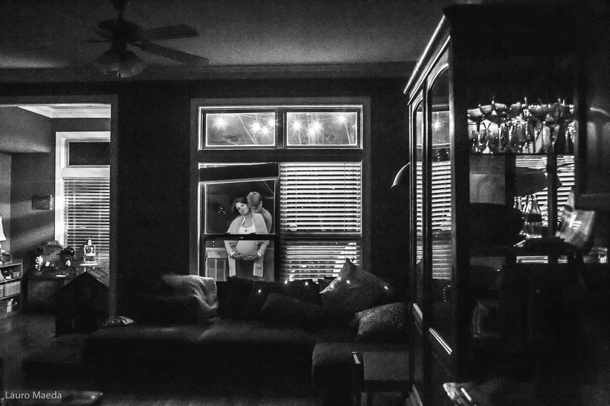 Fabio e Monica na varanda da casa