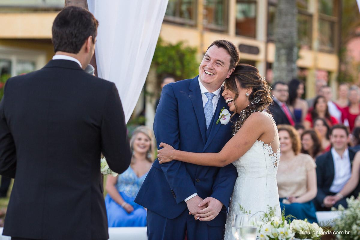 Ingrid e Raphael durante a cerimônia de casamento