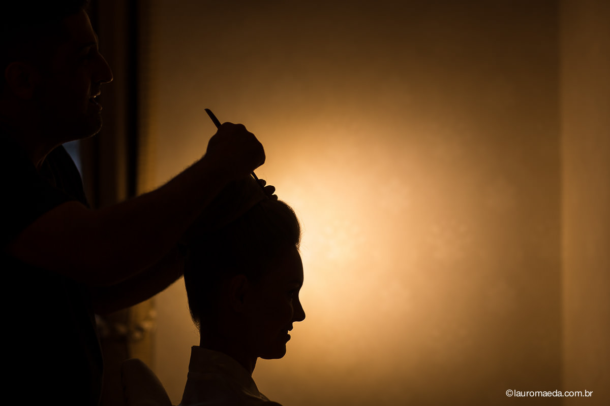 Camila sob cuidados do cabeleireiro Auro Ottoni