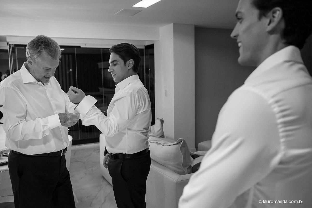 O noivo Antonio com o pai