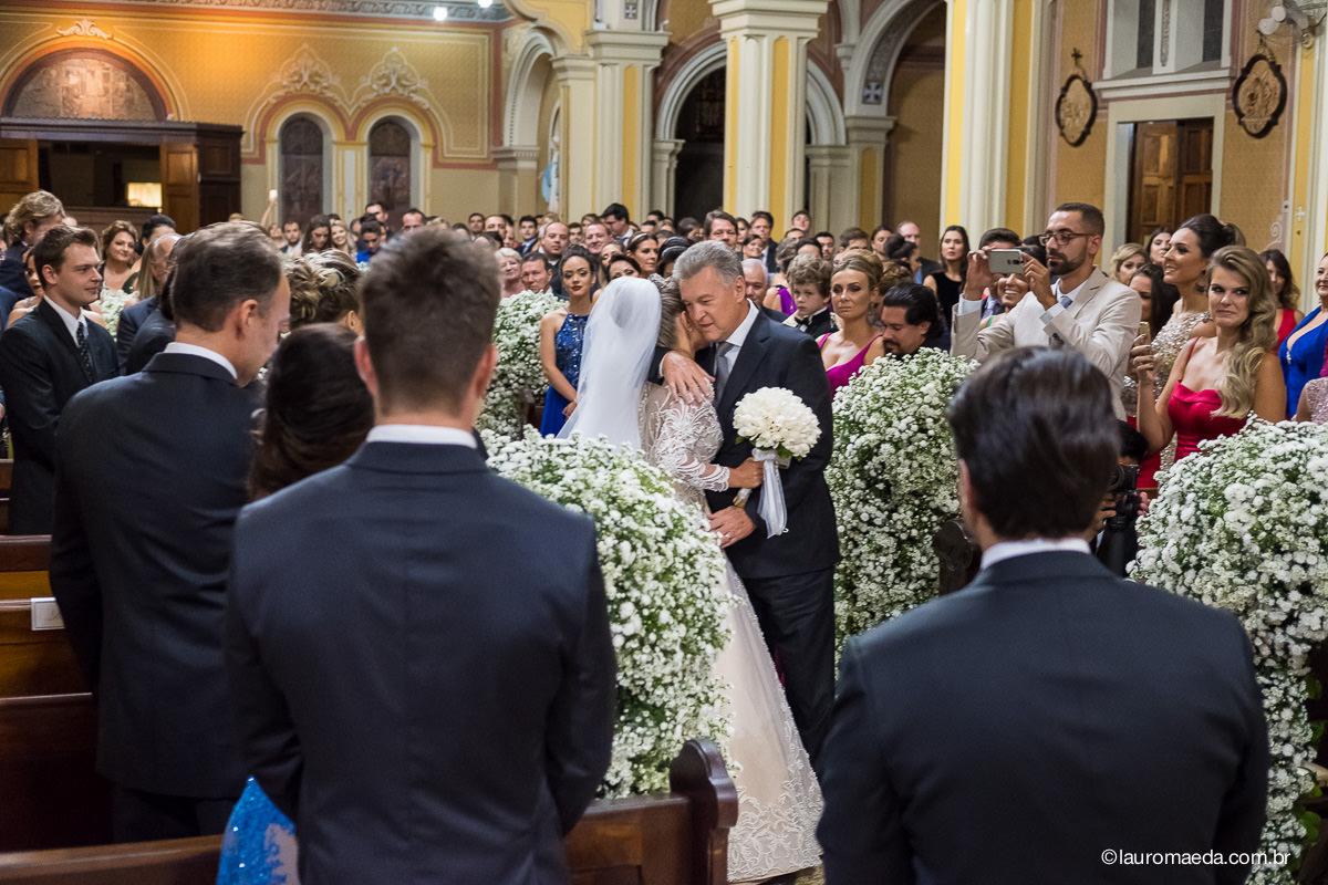 abraço do pai da noiva