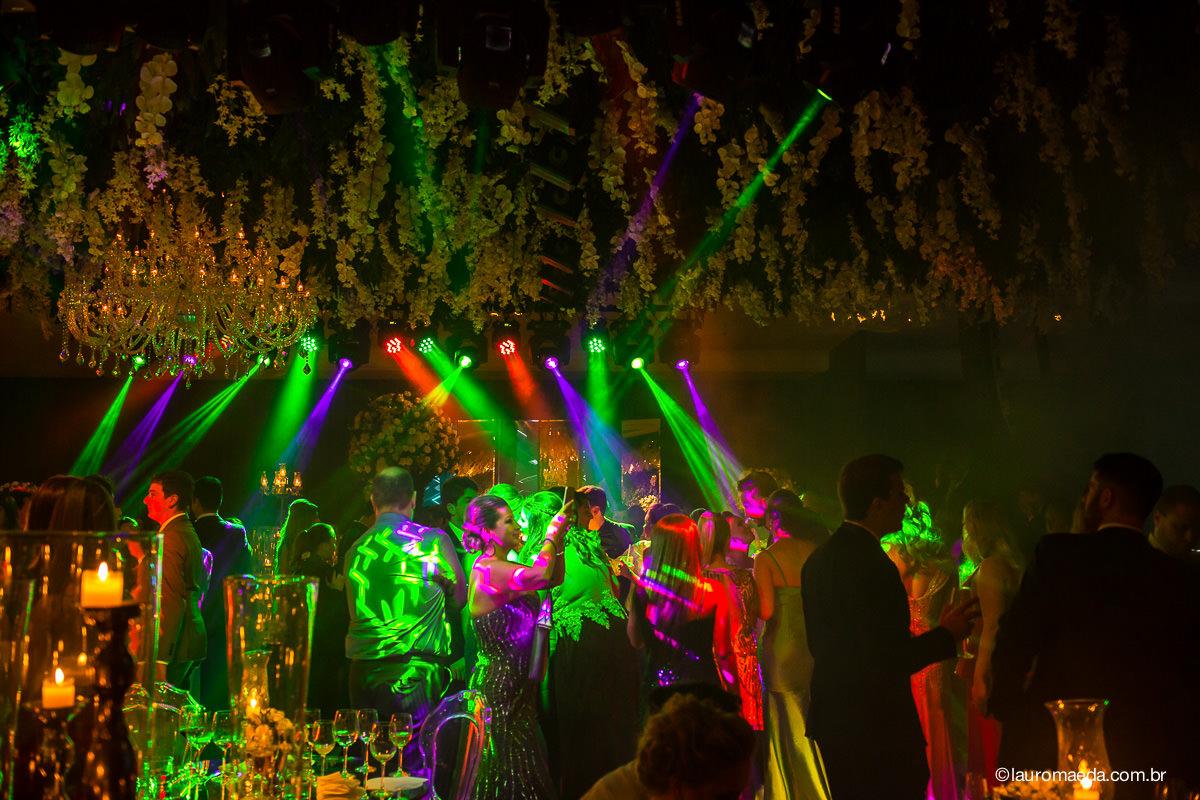 Ambiente da festa da Camila e Antonio