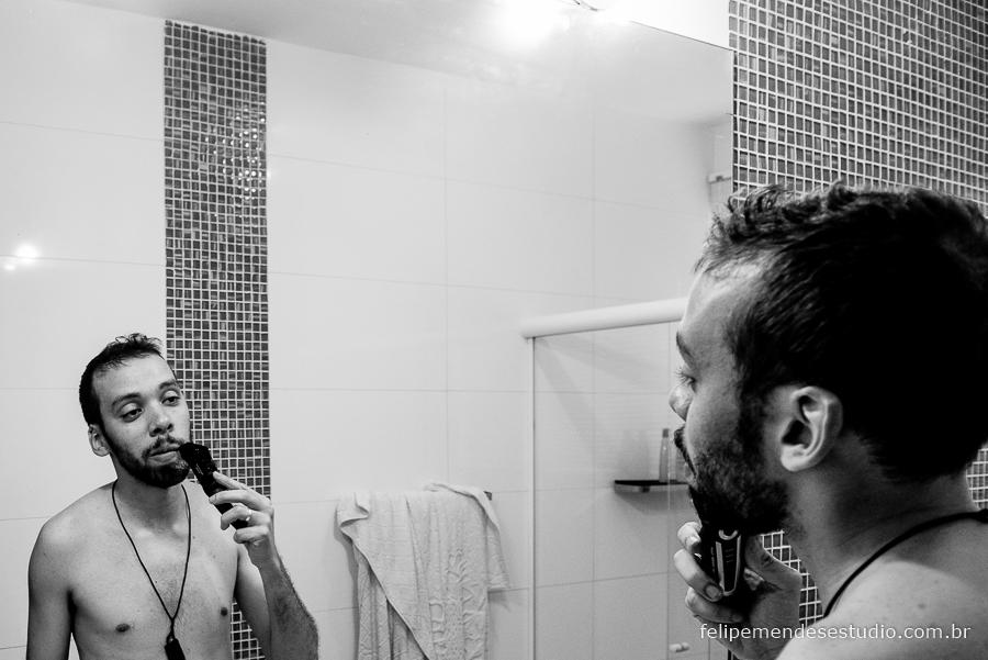 Noivo se barbeando