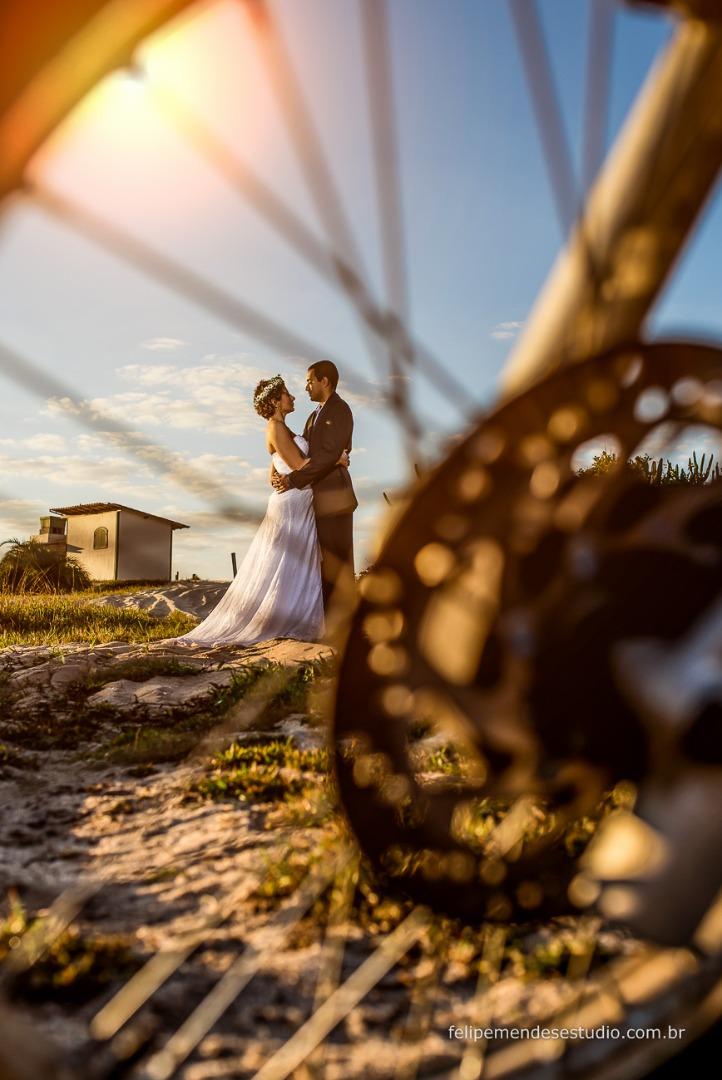 Trash the dress Danubia e Vinicius em Niterói, fotógrafo e vídeo maker Felipe Mendes, faz casamento, 15 anos e aniversários nas  cidades do Rio de Janeiro, Niterói, São Gonçalo, Itaboraí, Cabo Frio, Macaé, Araruama, Búzios