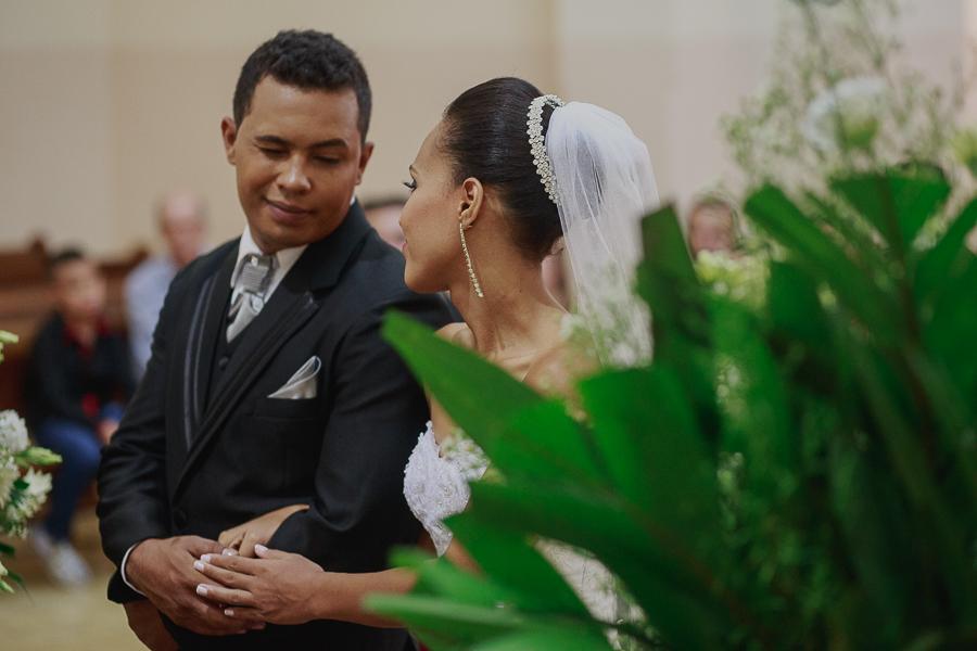 Casamento em Caeté, casamento, casamento Igreja, casamento igreja São Francisco de Asiss, São Francisco de Asis, noiva, noivos, making, lindos, casamento do ano, sapato vermelho, vestido lindo, Caeté,