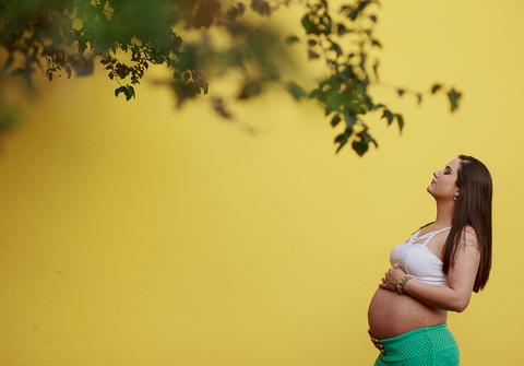 família de Paula e Luizinho esperando Manu
