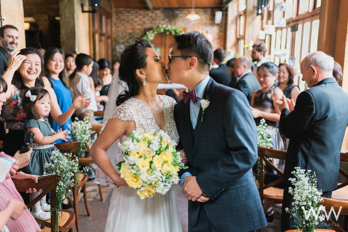 casamento cafe journal são paulo cerimonia beijo