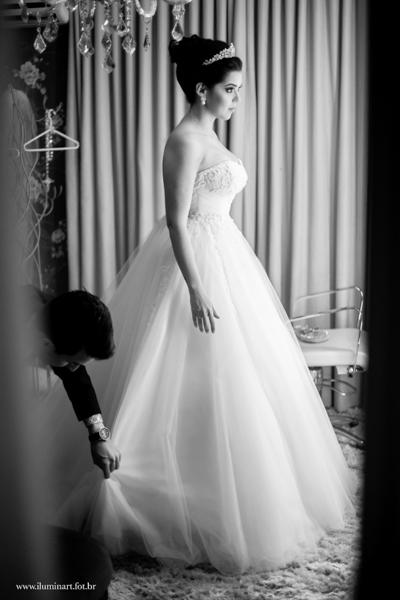 Studio Emerson Tranquilo Barbearia, making of da noiva, vestido da noiva, sapato da noiva, dia da noiva, making of em casa, festa de casamento, decoração de casamento, noivos, noiva, noivo, casamento, fotografia de casamento goiania, fotogra