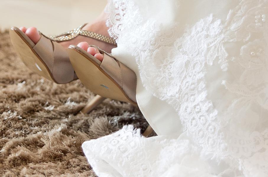 sapato de noiva, vestido de noiva, making of, noiva, festa de casamento, decoração de casamento, noivos, noiva, noivo, casamento, fotografia de casamento goiania, fotografia de casamento go, casamento em goiania, fotografo de casamento goian