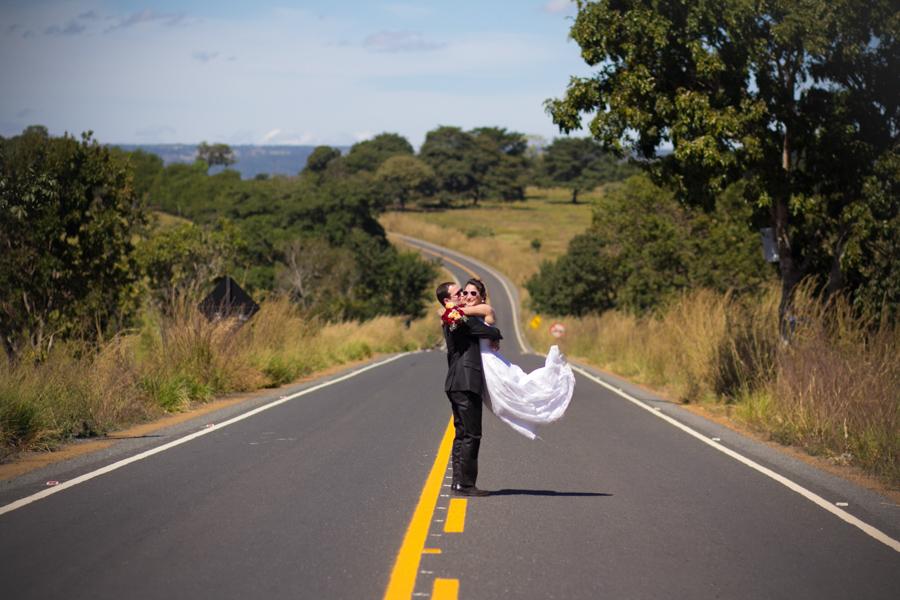 trash the trass pirenopolis, ensaio casal pirenopolis, casal pirenopolis, fotografia de casamento goiania, fotografia de casamento go, casamentos, casamento de dia, fotografo de casamento goiania, ensaio de casal goiania, trash the dress goiania, pre wedd