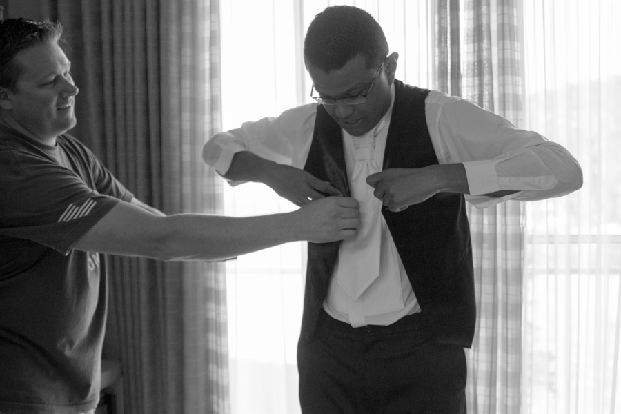 making of do noivo, making of em casa, casamento em casa, casamento de dia, festa de casamento, decoração de casamento, noivos, noiva, noivo, casamento, fotografia de casamento goiania, fotografia de casamento go, casamento em goiania, fotog