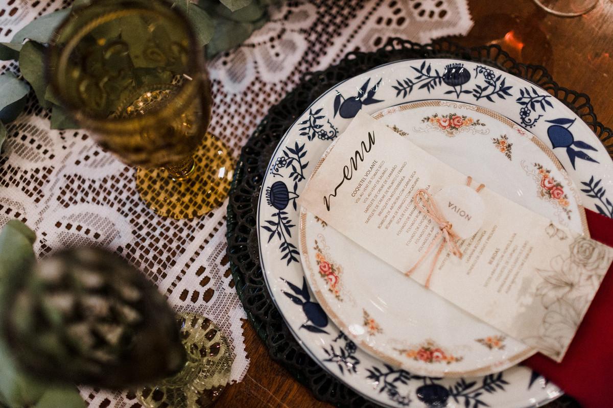 Decoração da mesa. Foto feita pelo fotógrafo de casamento Gabriel Pelaquim.
