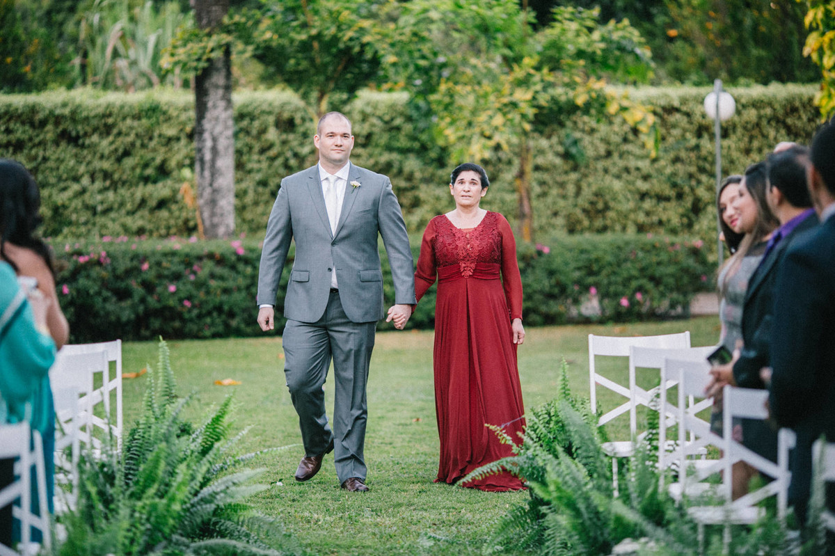 Entrada do Noivo Daniel no casamento realizado na mansão solar de novaes