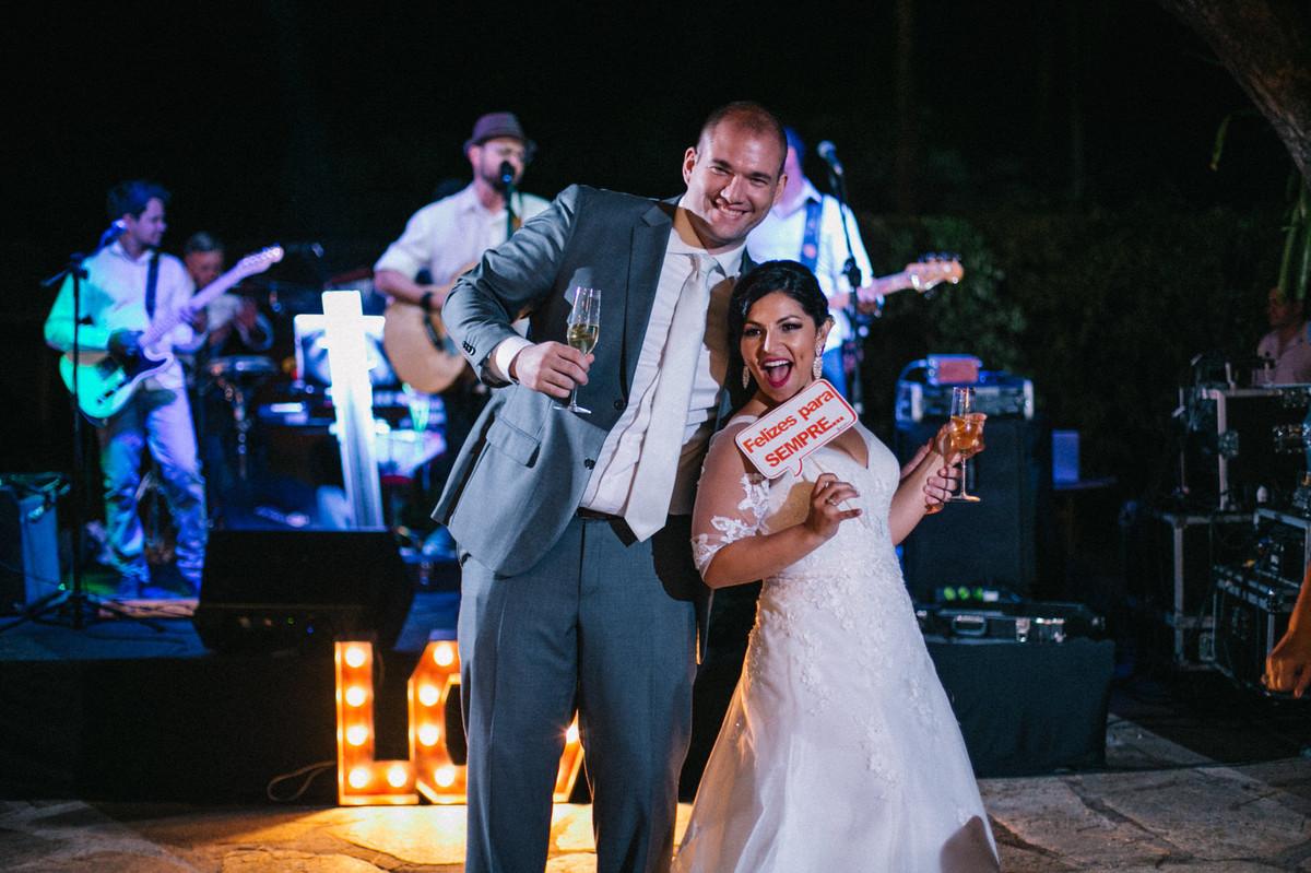 Festa do Casamento do Casal Lidiane e Daniel realizado na mansão solar de novaes em Brasília
