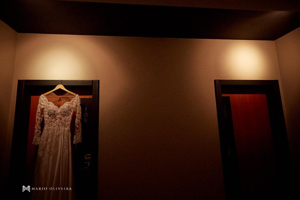 making of da noiva no hotel cambirela vestido pendurado na porta