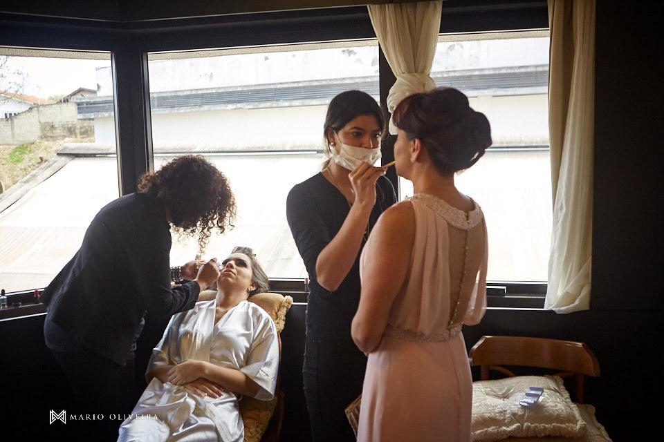making of da noiva no hotel cambirela mãe da noiva se maquiando