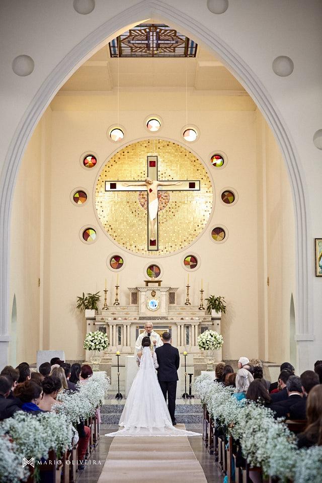 casamento na igreja nossa senhora de fatima casal no altar