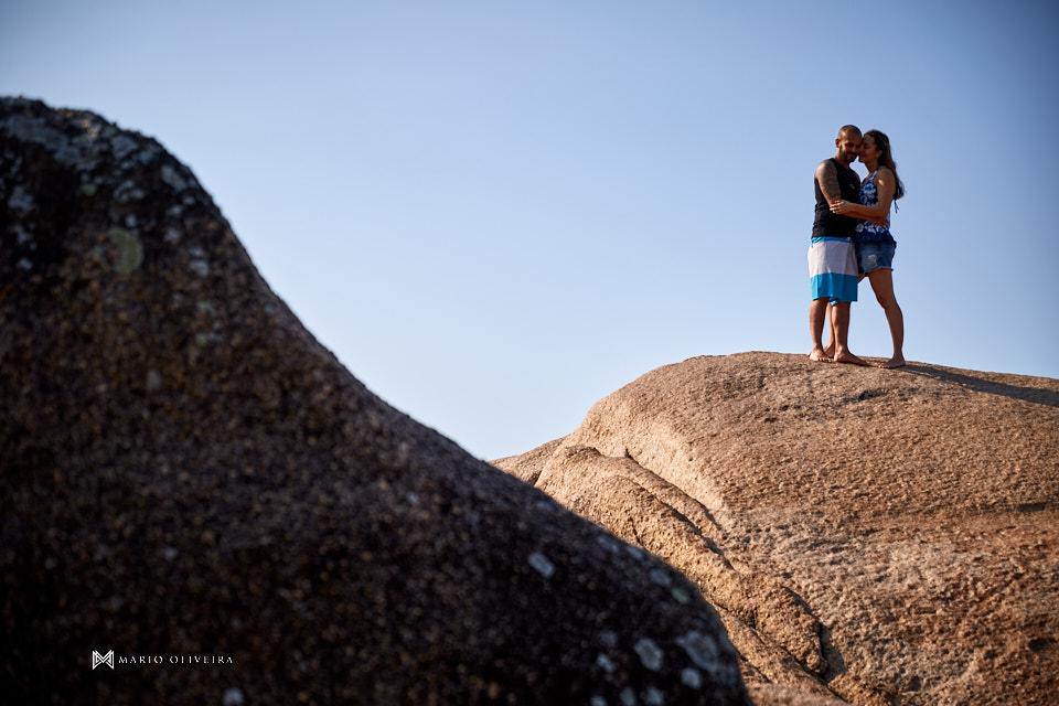 praia da joaquina, ensaio fotográfico, florianopolis, casal, ensaio de casal, fotografia, pre casamento, pre wedding, mario oliveira, surf, casamento