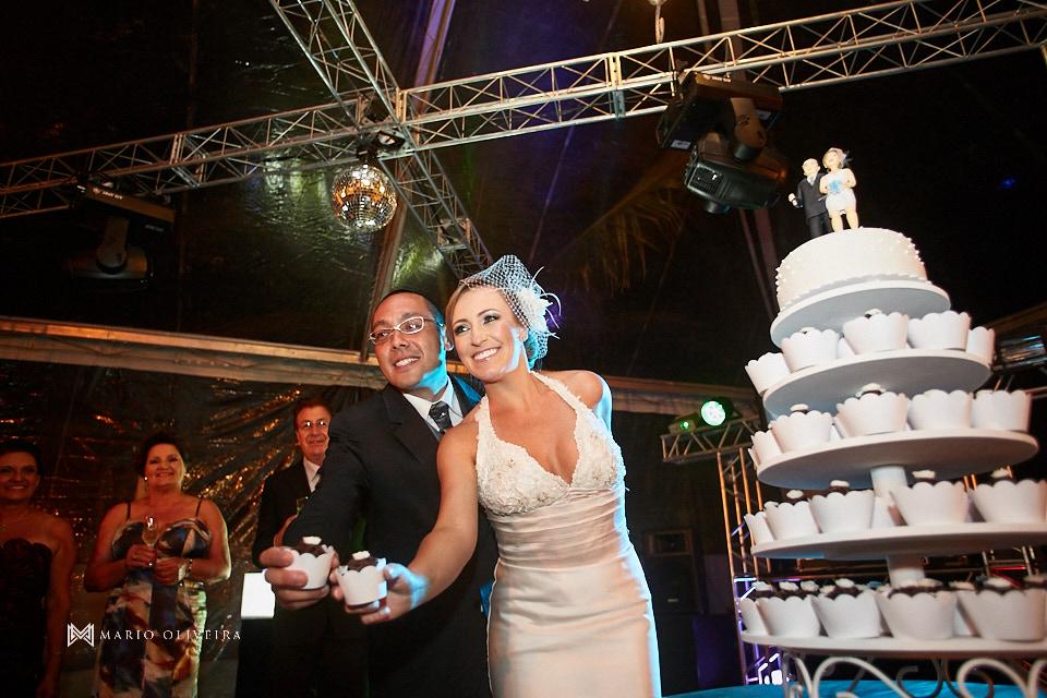 casamento na praia dos ingleses, vestido de noiva, making of noivo, mario oliveira, melhor fotografo de florianopolis