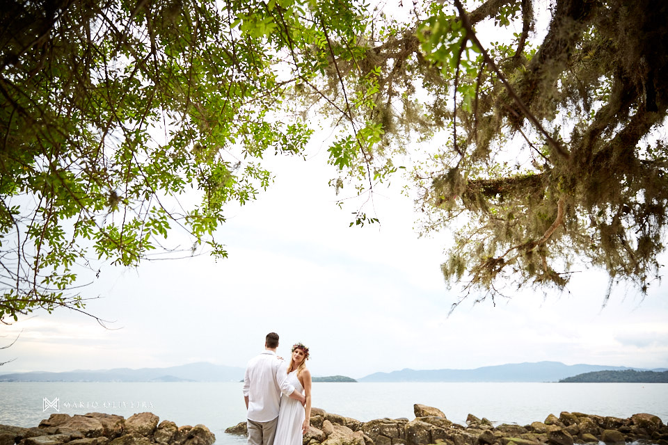 casal na praia, noivos na praia, melhor fotografo de florianopolis, mario oliveira, ensaio de casal, sessão de fotos na praia, engagement session, e-session