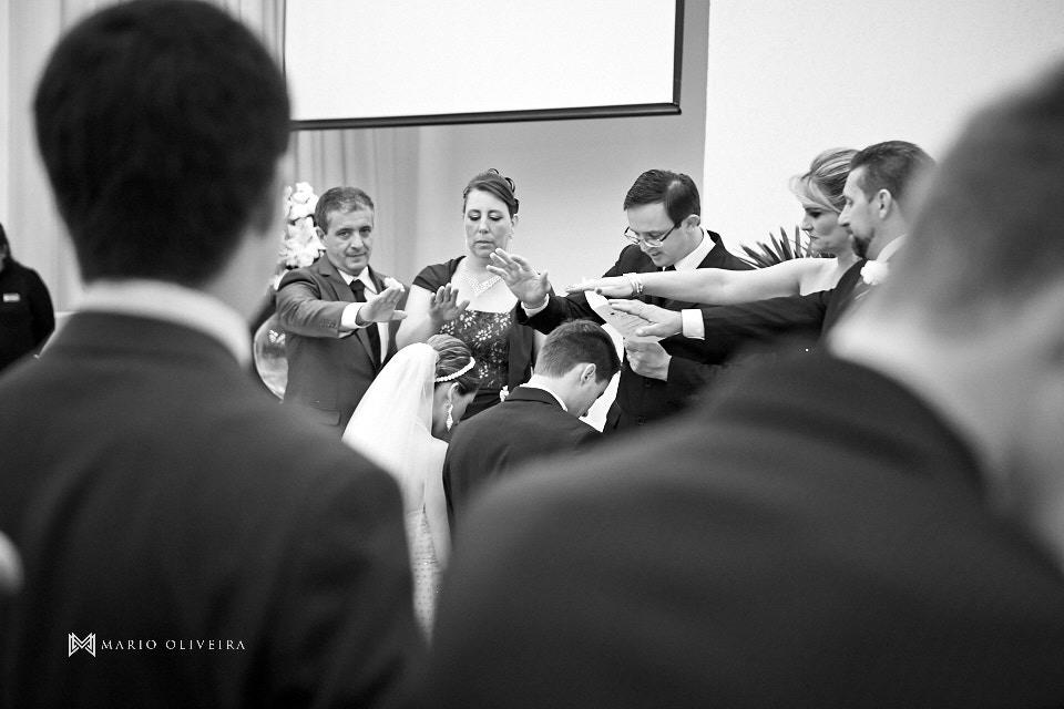 fotografia de casamento, casamento na palhoça, mario oliveira, melhor fotografo de florianopolis, making of da noiva no salão douglas e luciano, noivo, casal