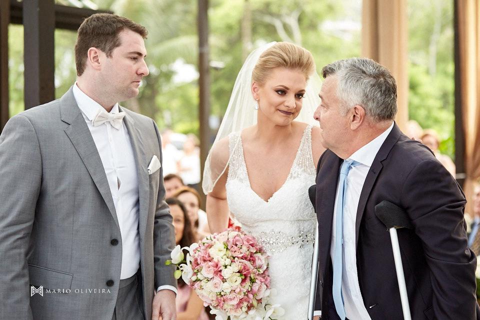 pai da noiva, casamento na praia, casamento em balneário camboriu, madrinha, padrinhos, melhor fotografo de forianopolis, casamento de dia, infinito blue