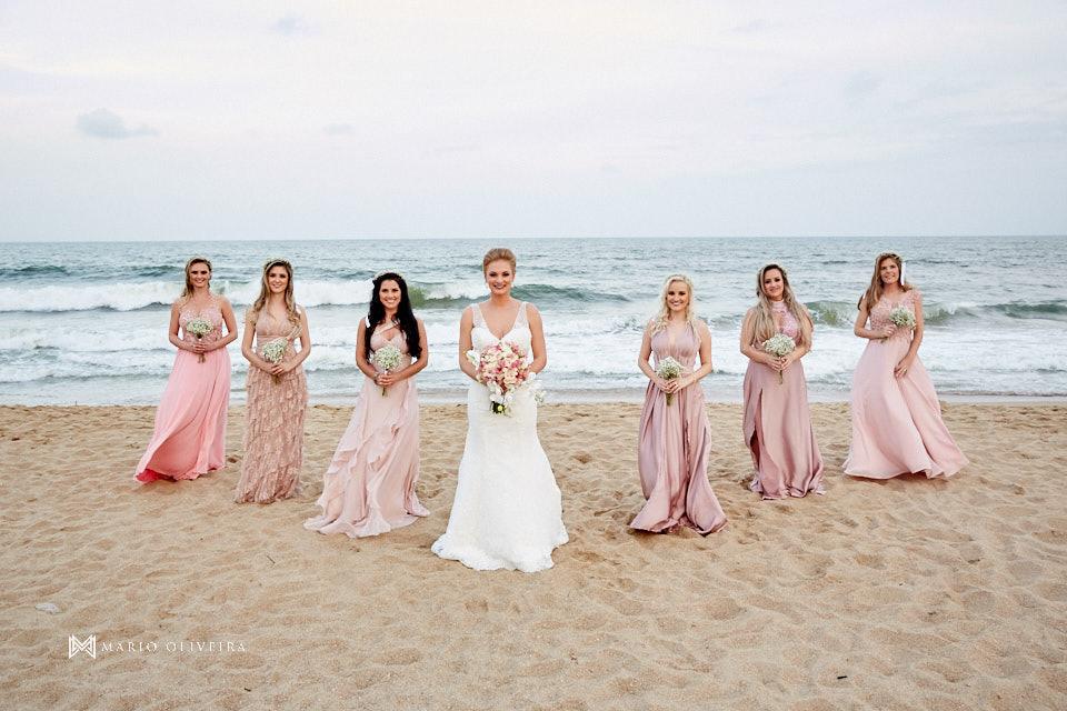 madrinhas com a mesma cor, casamento na praia, casamento em balneário camboriu, madrinha, padrinhos, melhor fotografo de forianopolis, casamento de dia, infinito blue