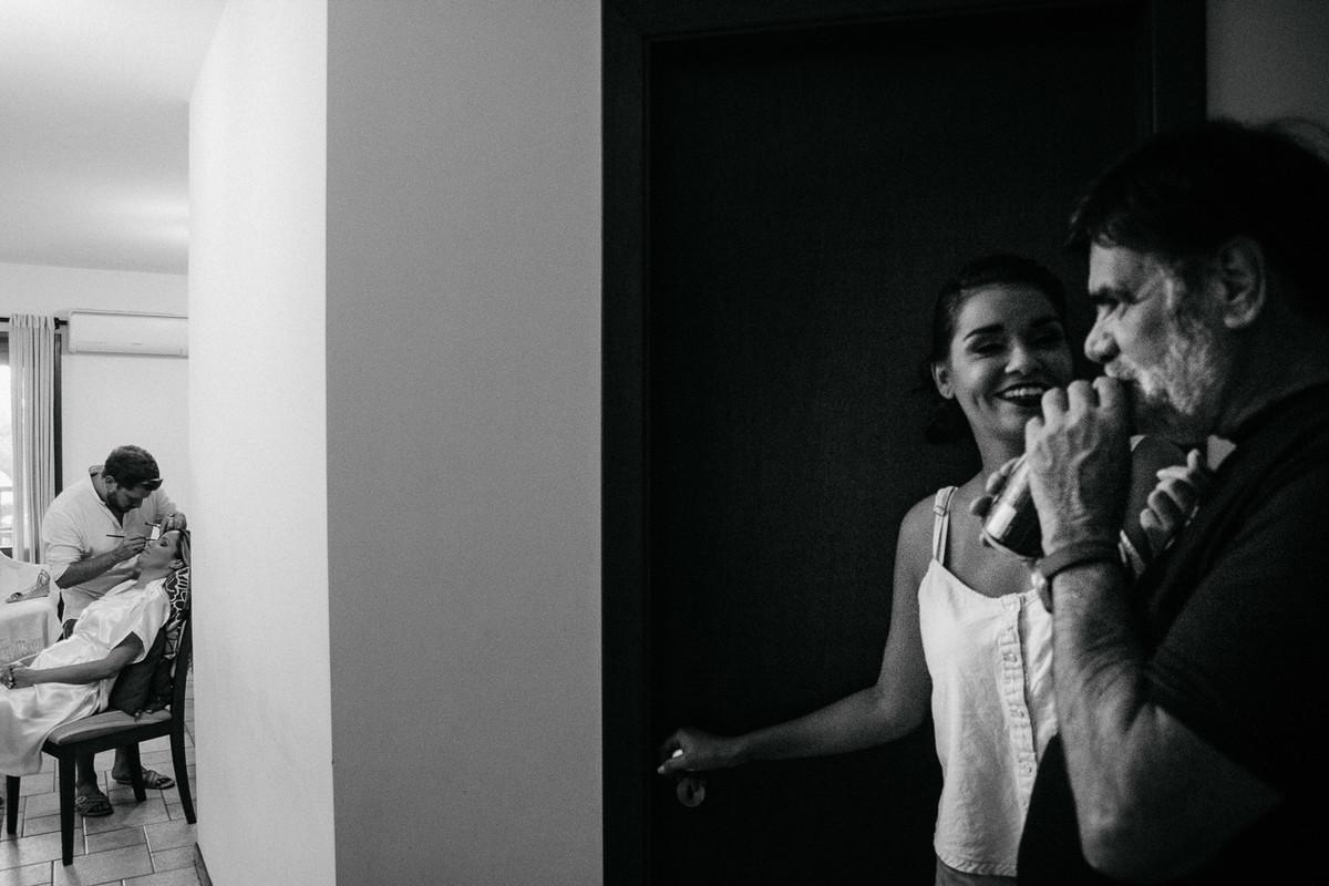 FOTOGRAFIA PRETA E BRANCA DO CASAMENTO CARLA E RAFAEL