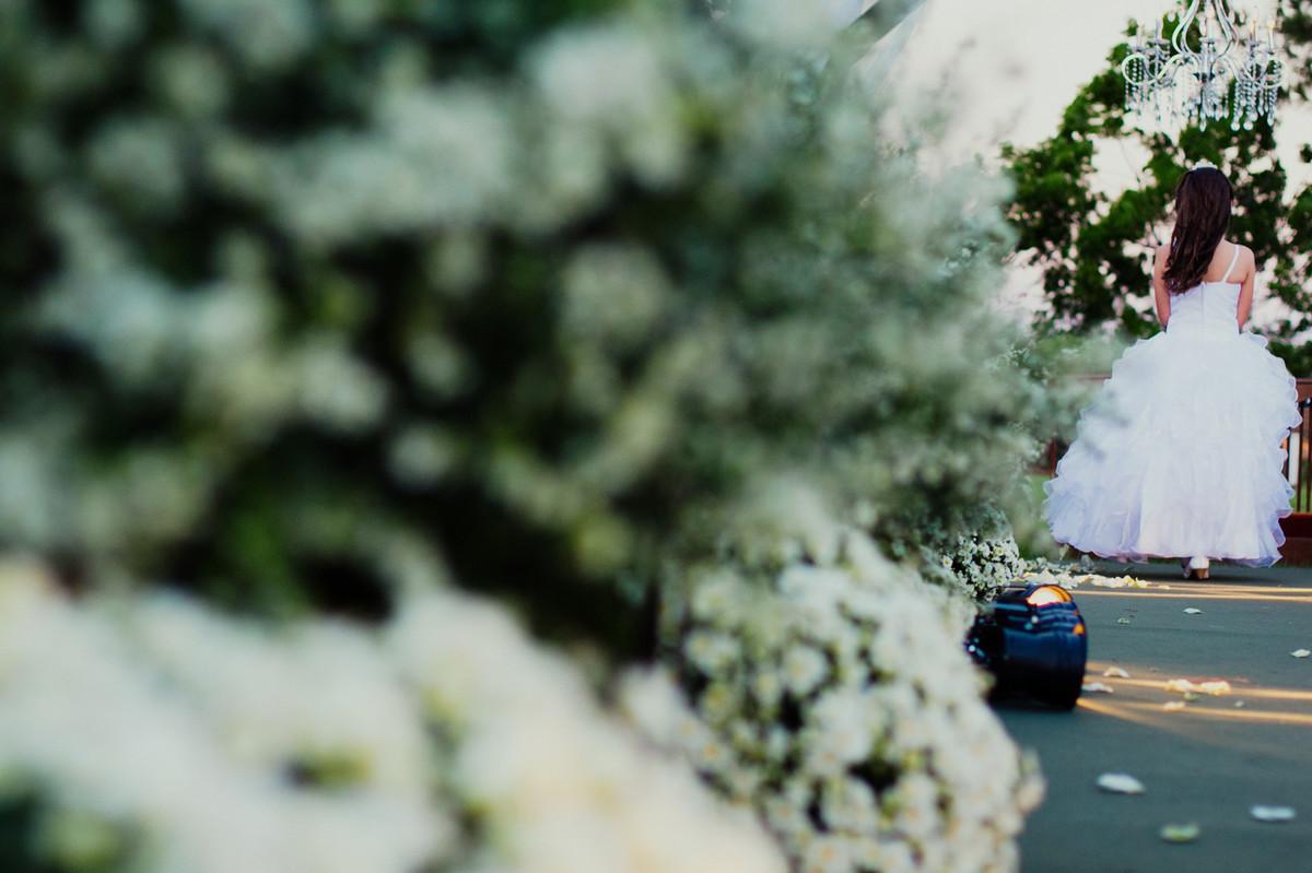 CAROLINE E LEONARDO FIZERAM UM CASAMENTO LNDO EM INDAIATUBA SP CIDADE DO LADO DE CAMPINAS AS FOTOGRAFIA DO CASAMENTO FICARAM MARAVILHOSA O CASAMENTO COMEÇOU DE DIA E TERMINOU A NOITE 20