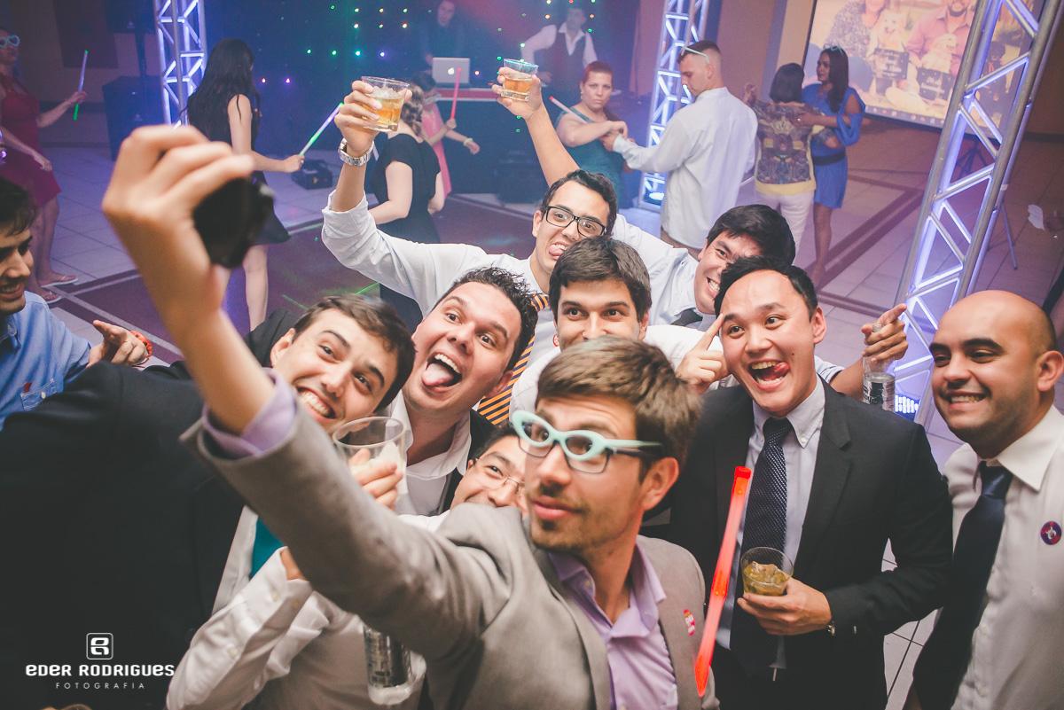 Selfie com o noivo