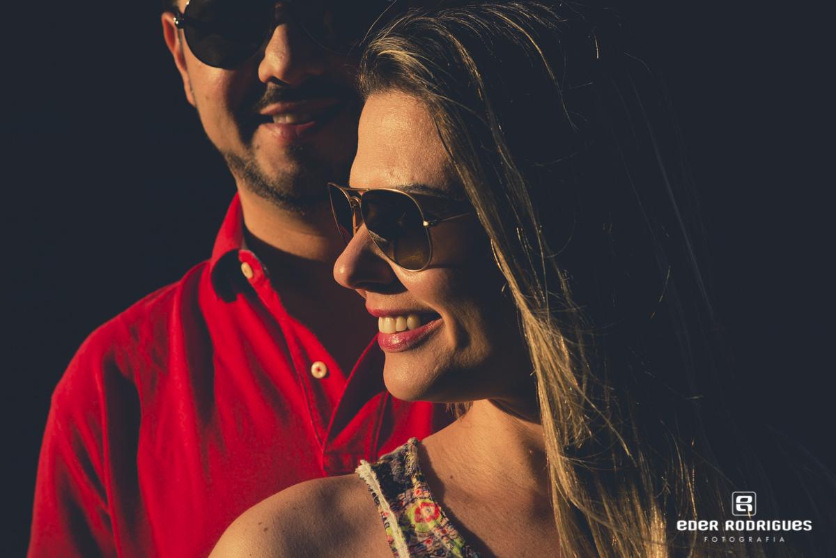 noiva sorrindo, no parque da cidade em São José dos Campos