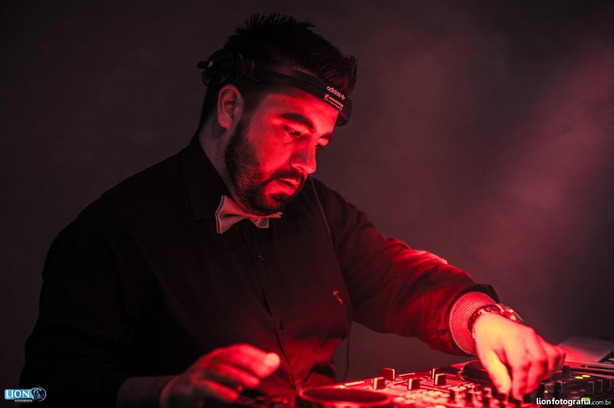 DJ Mixando